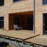terrasse en lames ipé avec maison en bois